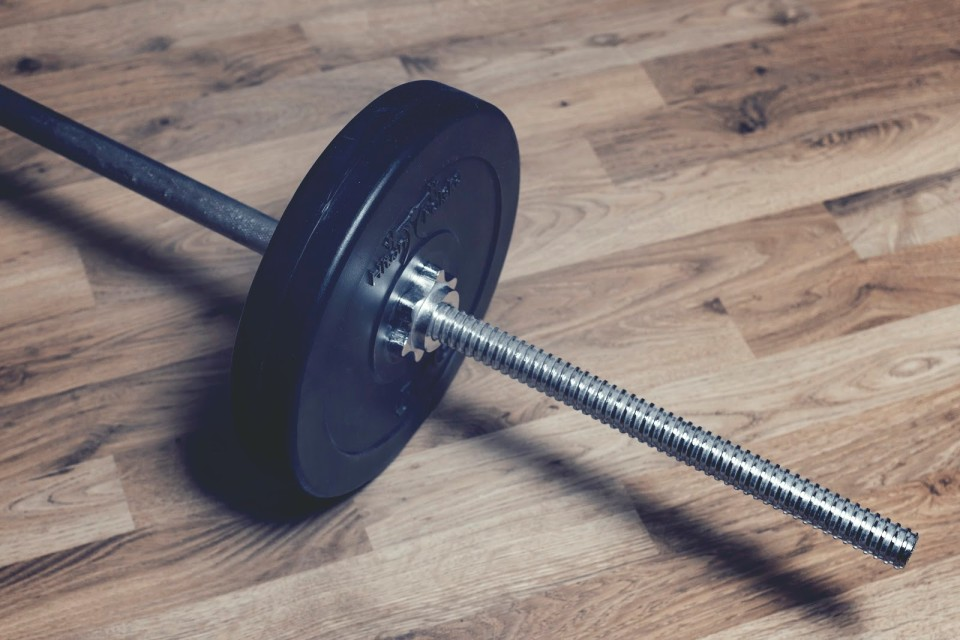 3 kinds of weight lifting bars and what they do