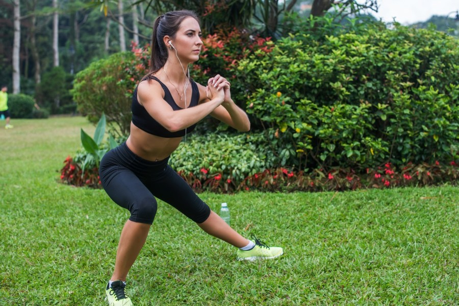 exercises that will help competitive swimmers lateral lunge