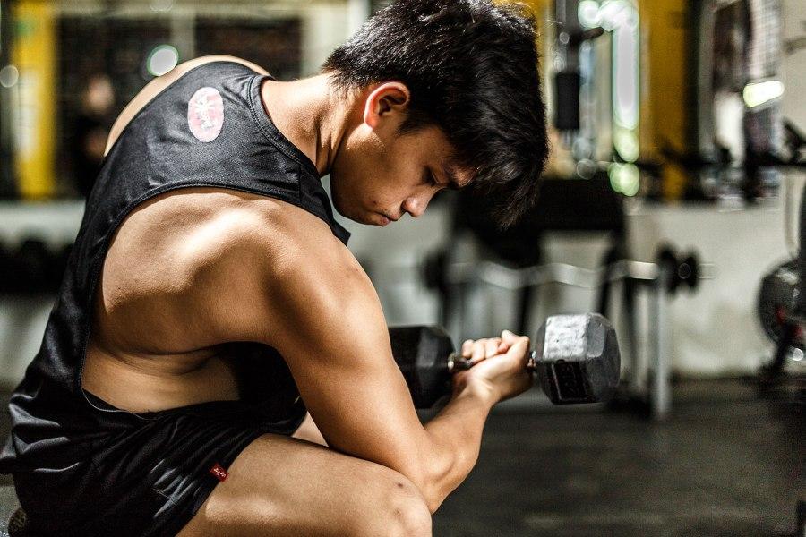 65 breaking the rules for bigger biceps bicep curls